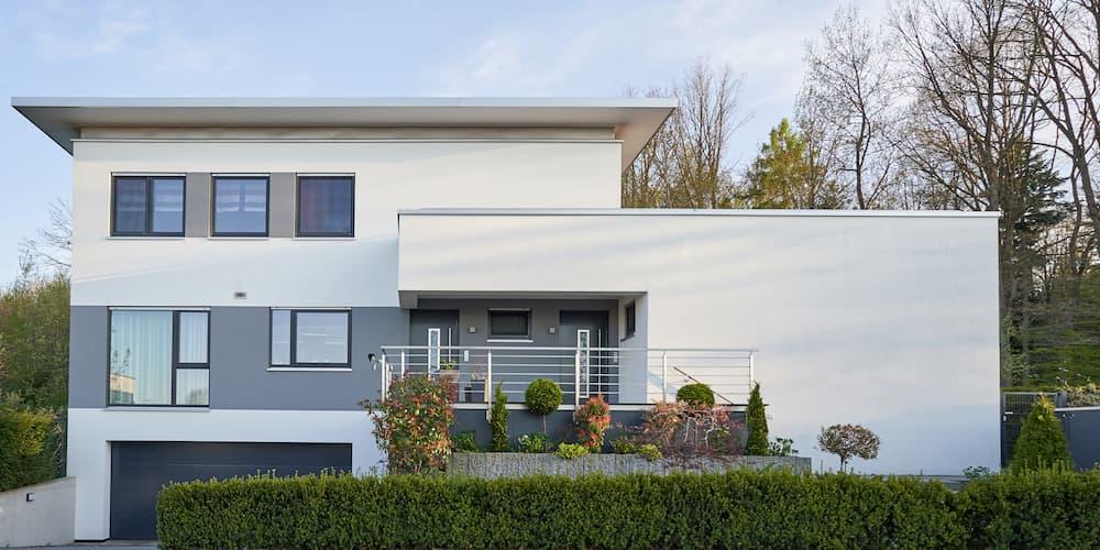 Modernes Haus für das ein Privatkredit nötig ist