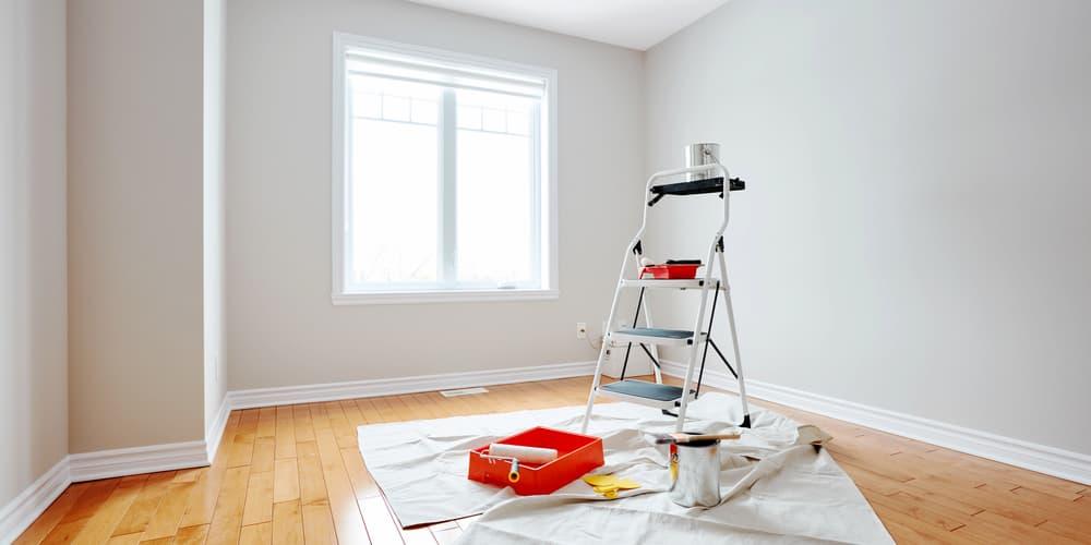 Mehrere Gegenstände zur Renovierung eines Raumes, die Kosten dafür können von der Instandhaltungsrücklage beglichen werden